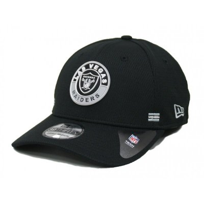 New Era 39THIRTY Cap NFL 2020 Onfield Sideline Road Alternative Las Vegas Raiders schwarz